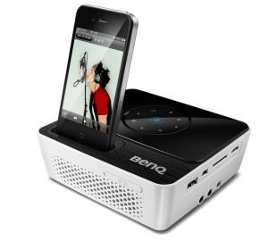 Der iPhone-Beamer für unterwegs: BenQ Joybee GP2