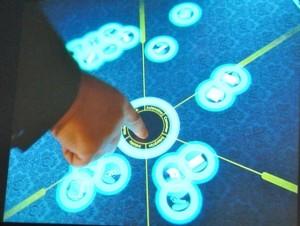 Cooles Teil mit tollen Anwendungsmöglichkeiten: der Surface-2-Tisch, der Teil des Events war