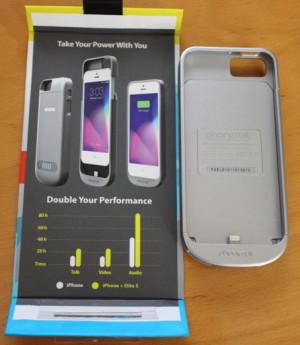 Mit dem Phonesuit Elite 5 holt man sich einen schützenden Zusatzakku für iPhone 5/S nach Hause