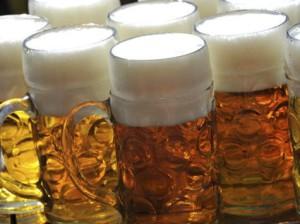 Wie verbindet man einen Bierkrug mit dem Internet?