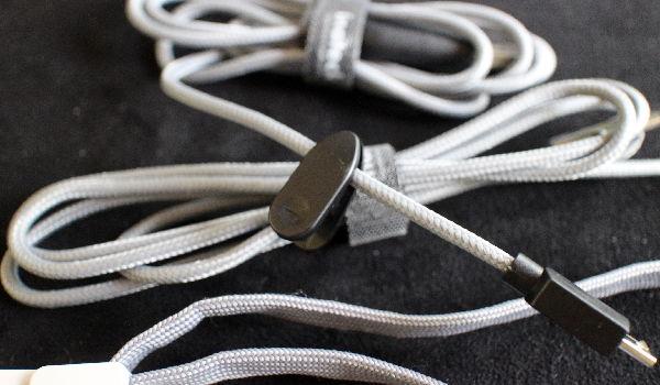 Inateck MercuryBox: Hochwertige USB- und Audiokabel gibt es dazu