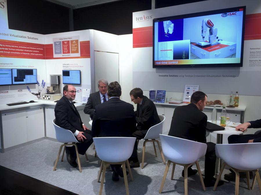 TenAsys auf der Embedded World 2018 - Tiefgehende Gespräche am TenAsys-Stand in Halle 4